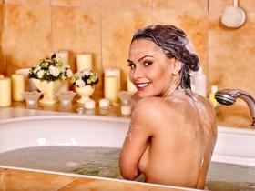 バストアップ お風呂で簡単 お風呂の中 エクササイズ